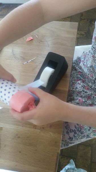 Confetti launcher